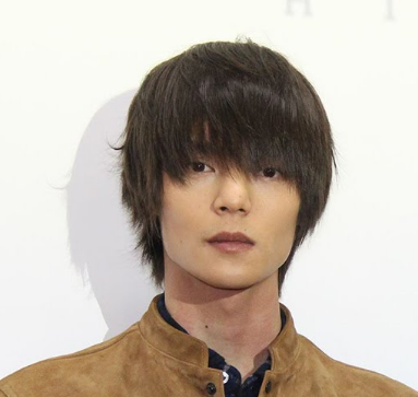 窪田正孝 水川あさみと行った先はハワイ!?彼の髪型って変、それともカッコいい?